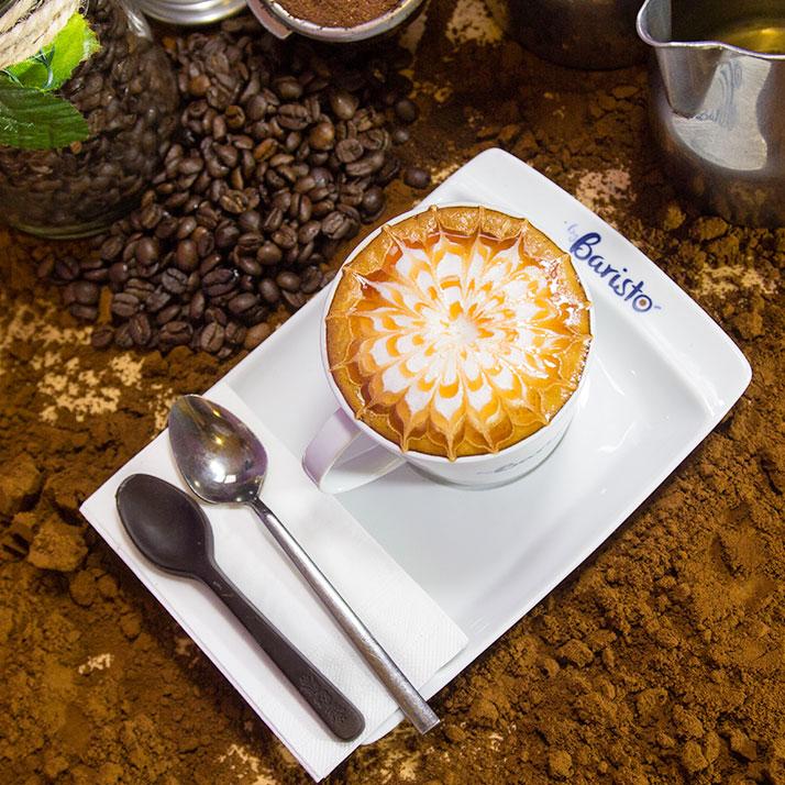 Macchiato ''Espresso, süt lekesi.''