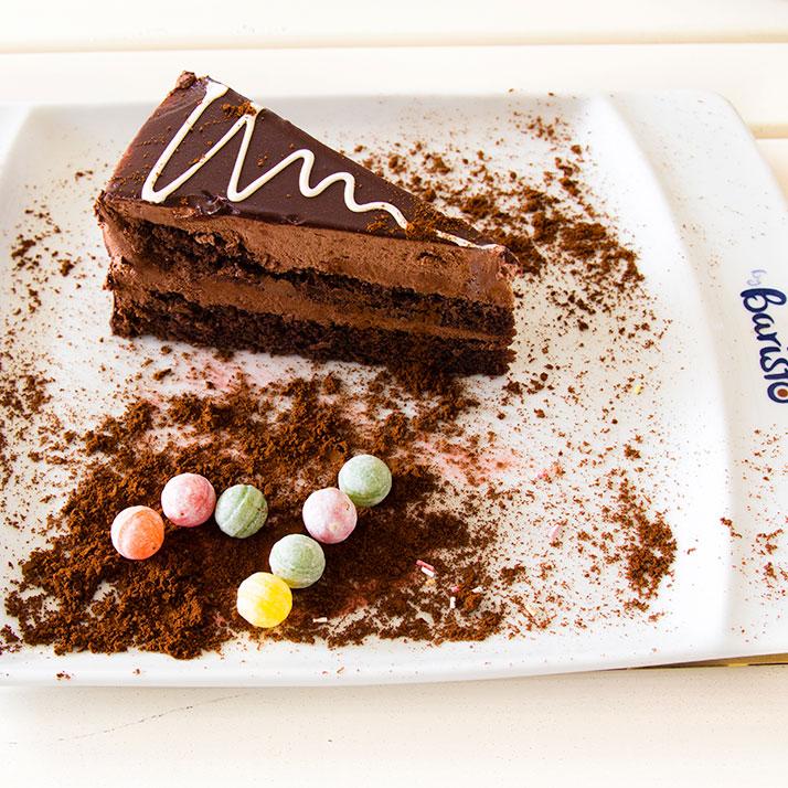 Çikolata Kaplı Enfes Pasta